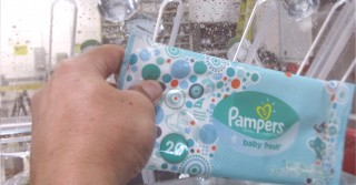 Sanitary Wet Wipes Bubble Test